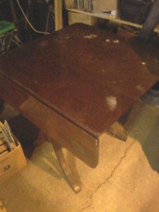 Duncan Phyfe drop leaf table reduced