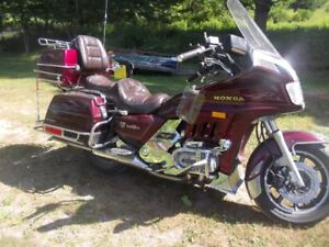 Mint 1200 Honda Gold Wing Aspencade.Dramatic price Reduction.