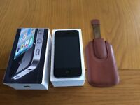 Used excellent condition iPhone 4 , 16gb black with box and carry case