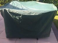 BOSMERE GREEN 4/6 SEATER TABLE & CHAIR COVER