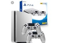 Ps4 limited edition silver slim 2 controllers