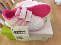 New Adidas Infant Size 5 Trainers