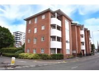 3 BED APARTMENT CLOSE TO ORACLE & STATION, ENSUITE TO MASTER, BATHROOM, DOWN STAIRS WC, AVAIL NOW