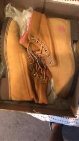 Timberland suede sand and pink Boots Size Uk 6