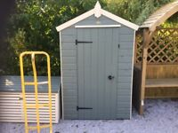 4 x 3. Oxford Shed. Fully Painted. Including Lock, 2 keys, shelvesPICK UP TODAY..