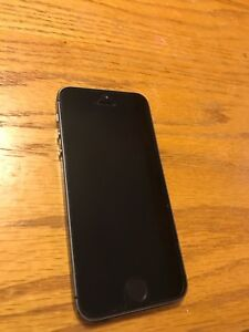 iPhone 5s 32 GB MINT condition ROGERS
