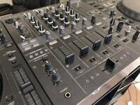 Pioneer DJM 800 (Mint Condition)