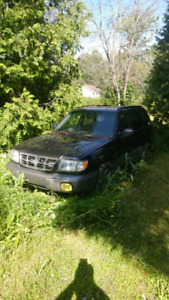 1999 subaru forester *for parts*