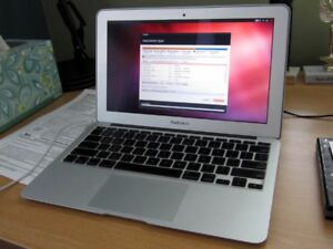 MACBOOK AIR 13''  - 1.6GHz, 2GB. 30GB WIFI,