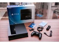 Boxed PlayStation 4 ,2 controller + 8 games