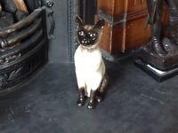 BESWICK CERAMIC FIRESIDE SIAMESE CAT MODEL 2139