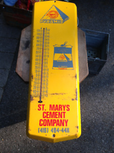 VINTAGE ST. MARYS CEMENT COMPANY PYRAMID THERMOMETER WORKING