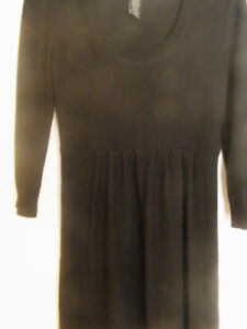 "SCOOP NECK LIGHTWEIGHT KNIT ""LITTLE BLACK DRESS"""
