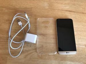 LG G5 Excellent Condition with Case  and  new  battery