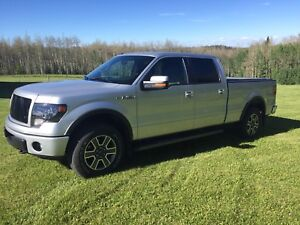 *Showroom Condition* Ford F-150 Fully Loaded!!