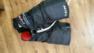 Patin-pad-culotte de hockey ! !