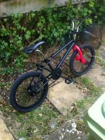 Referbished old skool dimond back bmx