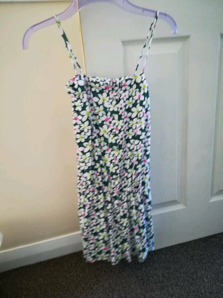 Jumpsuit aged 11 12in Neston, CheshireGumtree - Primark jumpsuit age 11 12 From a smoke and pet free home