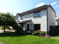 Stunning unfurnished 3/4 bedroom family home in East Edinburgh