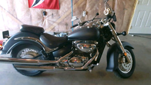 For sale or trade. 2001 Intruder 800