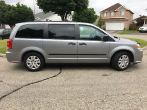 2014 Dodge Grand Caravan SE Minivan with trailer hitch