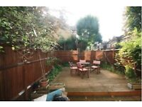 PET FRIENDLY! Stunning 2 Bed Garden Flat On Popular Trinity Road - Only £375PW!!!