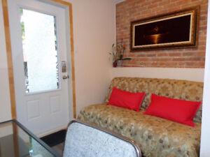 High quality flat. Bel apartement. Métro Frontenac.Ville Marie *