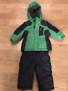 Boys 18Mth OshKosh snow suit like new!