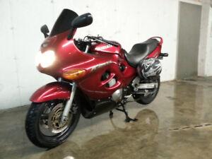 Moto GSX 750 KATANA 2000 -  En parfaite condition !