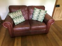 2 SEATER LEATHER CHESTERFIELD SETTEE/SOFA
