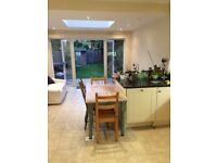 Raynespark - Room to rent in a 3 Bedroom house