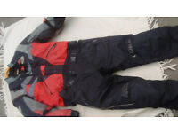 MOTORBIKE JACKET /LEGGINGS. USED CONDITION. BOTH XL. VIEWING LN3 .COLLECTION ONLY