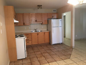 STUNNING 3 BEDROOM AVAILABLE AUGUST 1