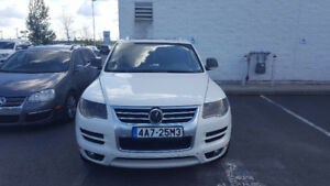 FOR SALE - 2010 Volkswagen Touareg TDI - A VENDRE