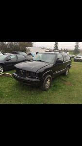 2005 GMC Jimmy for BODY PARTS only
