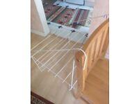 Caravan/motorhome window airer/dryer