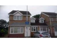 Furnished Single bed room in a beautiful house next to Tesco Weston Favell