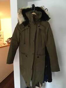 Manteau d'hiver / winter jacket - like Canada Goose XS (Montrea