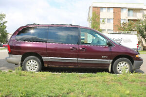 1999 Plymouth Voyager SE Minivan, Van. Needs some work