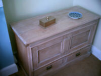 solid lime oaked blanket chest