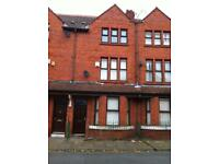 2 Superior rooms to let in Large 4bed house Close to Manchr City centre Media city