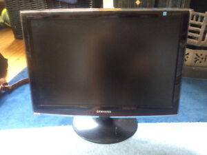 Samsung touch of colour - LCD MONITOR