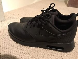 Mens Nike Air Tavas Leather on Suede size 7