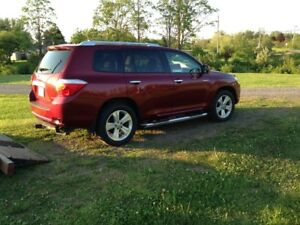 REDUCED 2010 Toyota Highlander LTD SUV, Crossover