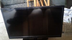 28 inch Fluid LCD TV like band new