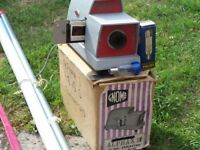 Gnome vintage Slide Projector with screen