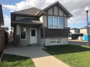 3 Bed 2 Bath with Garage in Harbour Landing Aug 1st or Sept 1st