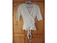 TOP/CARDIGAN:Oasis cream,lace-effect,¾ length sleeve,cross-over,silky ribbon ties.Size 10/36.£3 ovno