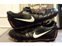 NIKE TOTAL 90 SHOOT II EXTRA SOFT GROUND BLACK LEATHER FOOTBALL BOOTS UK 7