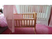 Br wooden crib